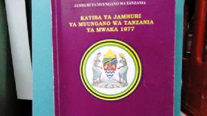 Msimamo wa wasomi kuhusu Katiba mpya