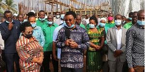 Waziri Mkuu, Kassim Majaliwa akikagua mradi wa maji wa Kemondo-Maruku Kagera