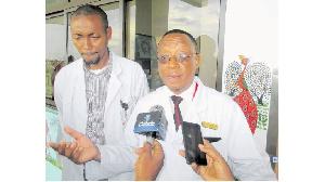 Mkurugenzi Tiba  Taasisi  ya MOI , Dk Samwel Swai