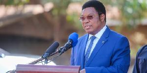 Majaliwa: Mitambo iliyokwama bandarini itoke