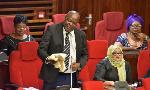 Mbunge Kishimba awavunja mbavu Wabunge, aingia na uniform Bungeni (+video)