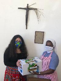 Mwanafunzi atengeneza barakoa na kuzigawa bure