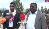 Mwanafunzi mtukutu apewa zawadi kwenye graduation