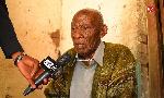 Babu aliyejichimbia kaburi aibuka asema litatumia mill 4,ataja matano ya Magufuli