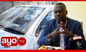 Wananchi Arusha wavamia gari la DC kwa mawe na kuvunja vioo (video+)