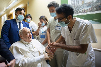 Papa Francis Aruhusiwa Kutoka Hospitali