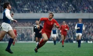 Gwiji wa zamani wa Liverpool, Sir. Roger Hunt
