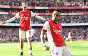 Aubameyang akishangilia goli dhidi ya Tottenham
