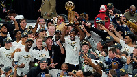 Giannis ampora LeBron tuzo, Bucks ikibeba NBA