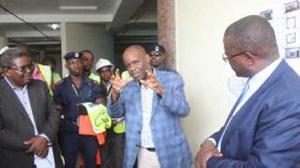 WAZIRI wa Ujenzi na Uchukuzi, Profesa Makame Mbarawa