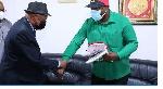 Katibu Mkuu CCM akiwa na Balozi wa Angola Sandro De Oliveira