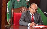 Dk Mwinyi atumbua vigogo watatu wa majeshi