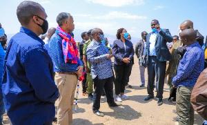 Fred Lowassa ampeleka Mkumbo Monduli kwenye mradi wa Bilioni 396 (+picha)