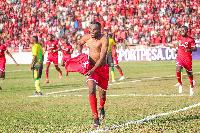 Shabiki Simba Avuliwa Nguo Zote