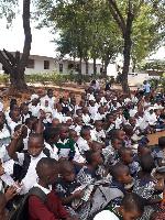 Rotary Dar yagawa madaftari600kwa Shule ya Msingi Mbuyuni