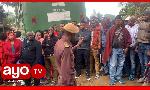 Askari alivyowaonya wananchi waliopanga kuzomea na  kushangilia kesi ya Sabaya (+video)