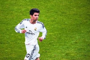 NYUMA YA PAZIA: Nawakumbusha tu Enzo Zidane ana miaka 26