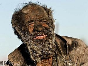 Kutana na mtu ambaye hajaoga kwa miaka 65